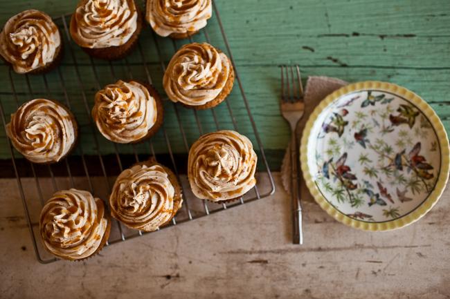 spiced-eggnog-cupcakes-garlands of grace1